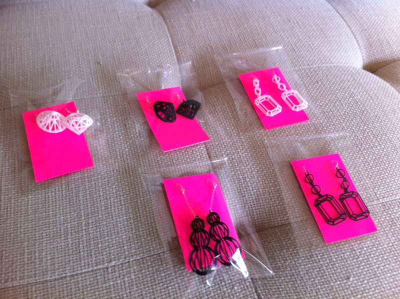 Hot_pink_jewelry_cards